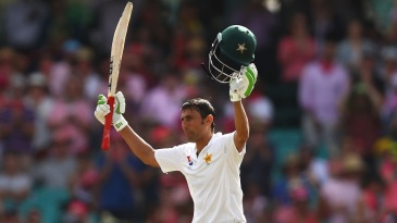 Younis Khan brought up his 34th Test hundred