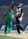 Relief and disappointment: Rubel Hossain and Colin Munro display contrasting emotions, New Zealand v Bangladesh, 2nd T20I, Mount Maunganui, January 6, 2017