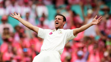 How many fingers is that, Josh? Hazlewood goes up in appeal, with a finger obscured