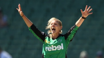 Kristen Beams took three wickets to strangle Adelaide Strikers