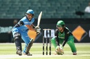 Shelley Nitschke looks to play on the front foot, Melbourne Stars v Adelaide Strikers, Women's Big Bash League 2016-17, Melbourne, January 10, 2017