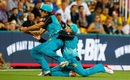 Joe Burns and Brendon McCullum collide near the boundary, Brisbane Heat v Perth Scorchers, Big Bash League 2016-17, Brisbane, January 11, 2017