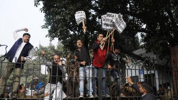 BJP workers protest in Delhi