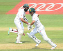 JP Duminy and Hashim Amla run between the wickets during their big stand, South Africa v Sri Lanka, 3rd Test, Johannesburg, 1st day, January 12, 2017