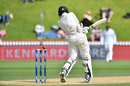 Mitchell Santner is bowled, after being hit, New Zealand v Bangladesh, 1st Test, Wellington, 4th day, January 15, 2017
