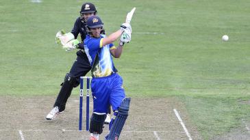 Anaru Kitchen pulls the ball