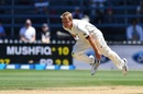 Neil Wagner is a picture of exertion as he delivers the ball, New Zealand v Bangladesh, 1st Test, Wellington, 5th day, January 16, 2017