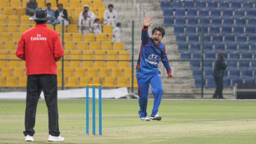Rashid Khan shouts for lbw during his spell of 2 for 12