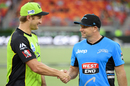 Shane Watson and Brad Hodge shake hands, Sydney Thunder v Adelaide Strikers, Big Bash League 2016-17, Sydney, January 18, 2017