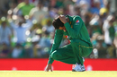 Junaid Khan is disappointed after a catch is put down off his bowling, Australia v Pakistan, 3rd ODI, Perth, January 19, 2017