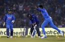 Ravindra Jadeja cleans up Jason Roy, India v England, 2nd ODI, Cuttack, January 19, 2017