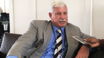 Richard Hadlee talks to journalists at Hagley Oval