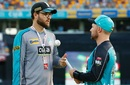 Daniel Vettori chats with Brendon McCullum, Brisbane Heat v Melbourne Renegades, BBL 2016-17, Brisbane, January 20, 2017