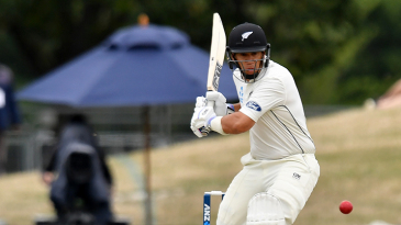 Ross Taylor shapes to pull