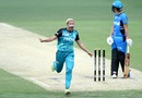 Delissa Kimmince celebrates after taking a wicket, Brisbane Heat v Adelaide Strikers, Women's Big Bash League 2016-17, Brisbane, January 21, 2017