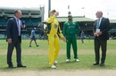 Azhar Ali lost the toss and Steven Smith elected to bat first, Australia v Pakistan, 4th ODI, Sydney, January 22, 2017