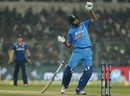 Yuvraj Singh got into a tangle against a rising short delivery, India v England, 3rd ODI, Kolkata, January 22, 2017