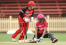 Ellyse Perry tries to make her ground, Sydney Sixers v Melbourne Renegades, Women's Big Bash League 2016-17, Sydney, January 20, 2017