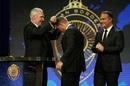 David Warner receives the biggest prize from Allan Border, Sydney, January 23, 2017