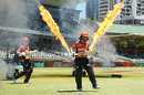 Scorched: Elyse Villani and Nicole Bolton walk out to bat, Perth Scorchers v Brisbane Heat, Women's Big Bash League 2016-17, semi-final, Perth, January 24, 2017