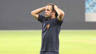 Netherlands captain Peter Borren has hands on head