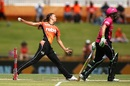 Piepa Cleary delivers a ball, Perth Scorchers v Sydney Sixers, Women's BBL 2016-2017, Perth, January 28, 2017