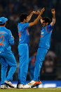 Yuzvendra Chahal offers Ashish Nehra a high-five, India v England, 2nd T20, Nagpur, January 29, 2017