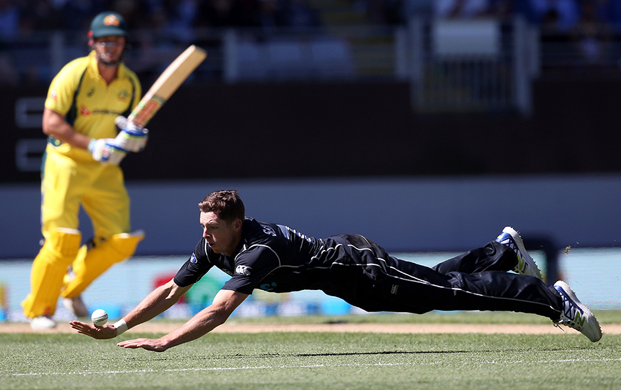 Hamish Bennett takes three wickets as New Zealand beat Bangladesh in Dublin