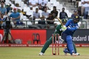 Upul Tharanga nails a slog sweep, South Africa v Sri Lanka, 4th ODI, Cape Town, February 7, 2017