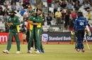 Wayne Parnell took the key wicket of Upul Tharanga, South Africa v Sri Lanka, 4th ODI, Cape Town, February 7, 2017
