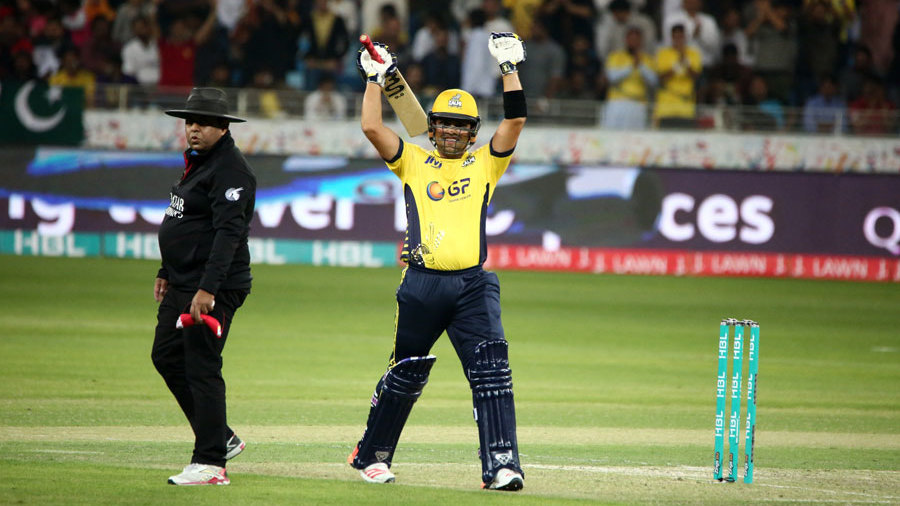 Kamran ton ushers Peshawar into Lahore final