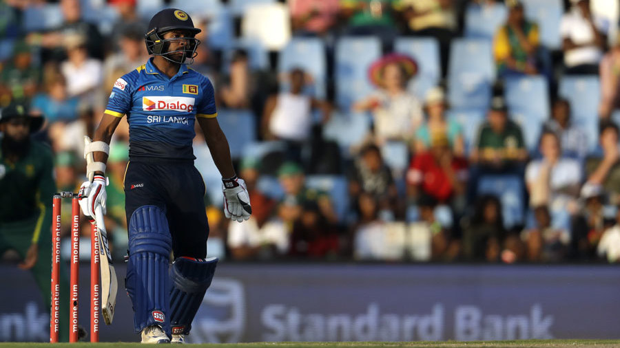 Niroshan Dickwella made a punchy 39 before holing out to mid-off