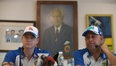 Steven Smith and Darren Lehmann address the media after arriving in India, Mumbai, February 14, 2017