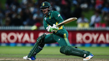 Quinton de Kock plays a reverse sweep during his innings