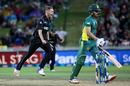 Tim Southee struck off consecutive balls in the 23rd over, New Zealand v South Africa, 1st ODI, Hamilton, February 19, 2017