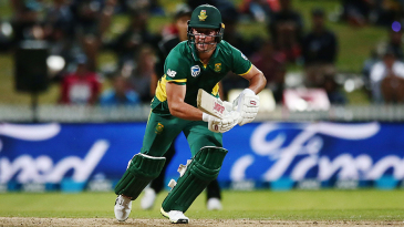 AB de Villiers looks to set off for a run