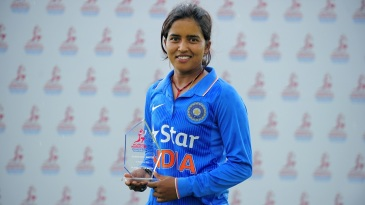 Ekta Bisht with her Player-of-the-Match award