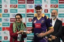 Kevin Pietersen receives his Man-of-the-Match award, Lahore Qalandars v Quetta Gladiators, Pakistan Super League 2017, Sharjah, February 18, 2017
