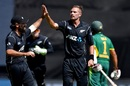 Dean Brownlie and Tim Southee celebrate Hashim Amla's wicket, New Zealand v South Africa, 3rd ODI, Wellington, February 25, 2017