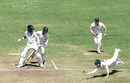 Peter Handscomb attempts a tough chance at short leg, India v Australia, 1st Test, Pune, 3rd day, February 25, 2017