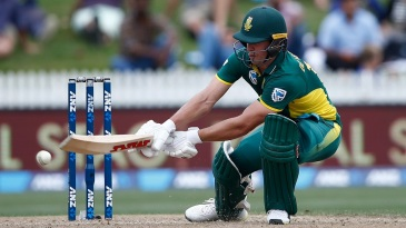 AB de Villiers brings out his unorthodoxy
