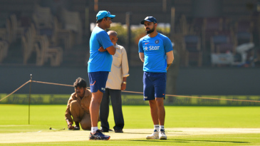 Anil Kumble and Virat Kohli engage in discussion at the practice session