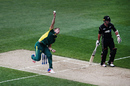 Dwaine Pretorius bowls from around the wicket, New Zealand v South Africa, 5th ODI, Auckland, March 4, 2017