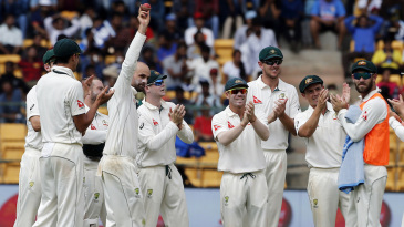 Nathan Lyon gets an applause after his five-for