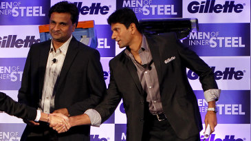 Actor Mandira Bedi with former Indian fast bowlers Javagal Srinath (centre) and Venkatesh Prasad at a product launch