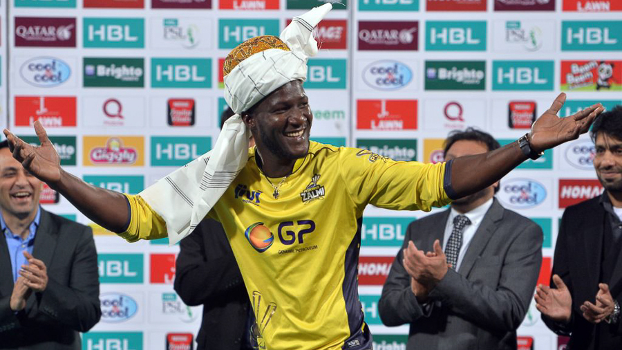 Darren Sammy soaks up victory adulation from the Lahore crowd