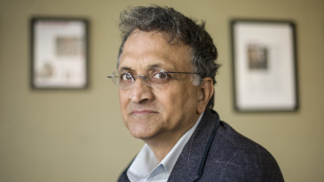 Ramachandra Guha at an event to talk about one of his books