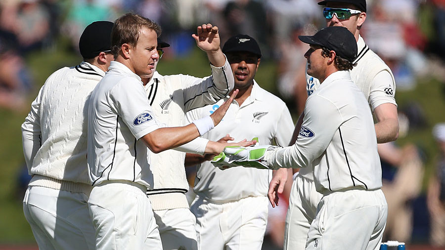 New Zealand out for 341, lead by 33 runs in Dunedin