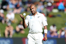 Jeetan Patel on his way to mark his run up, New Zealand v South Africa, 1st Test, Dunedin, 2nd day, March 9, 2017