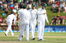 Stephen Cook was hit on the hand while fielding, New Zealand v South Africa, 1st Test, Dunedin, 2nd day, March 9, 2017